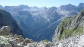 Am Hochgschirr: Blick ins Landtal, in der Ferne Funtenseetauern
